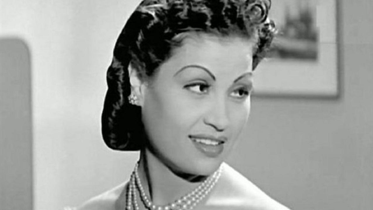 عقيلة راتب - قصة حياة عقيلة راتب واحدة من أمهات السينما المصرية