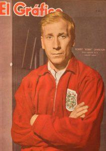 بوبي تشارلتون - قصة حياة بوبي تشارلتون أسطورة مانشستر يونايتد في ملاعب كرة القدم