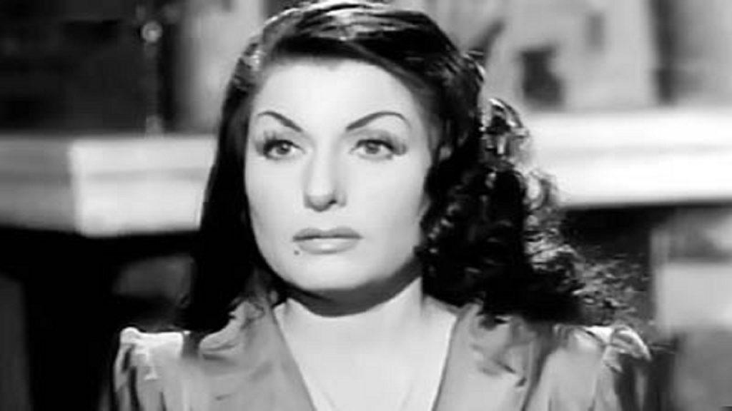 زوزو شكيب - قصة حياة زوزو شكيب الممثلة المصرية البارزة في أدوار الشر