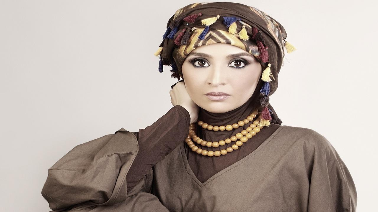 حنان ترك قصة حياة الممثلة التي تابعت التمثيل بالحجاب نجومي